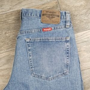 Wranglers 32 relaxed fit denim shorts